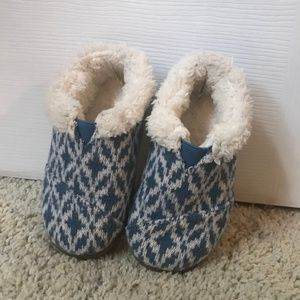 Toms Boys Slippers, Size 7